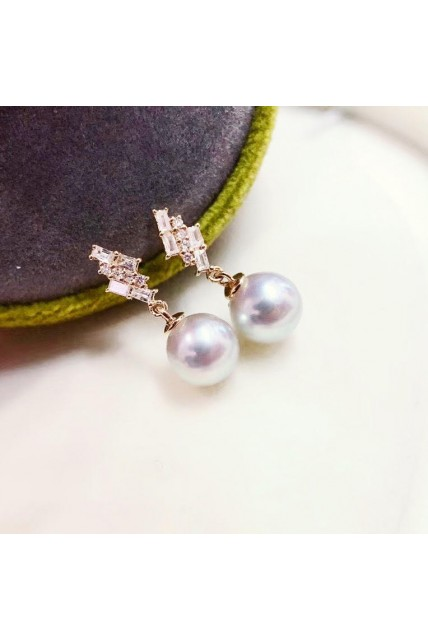earing japan pearl with diamond